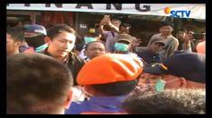PT KAI Daops Yogyakarta membongkar paksa puluhan kios PKL. Penggusuran berlangsung rcuh lantaran para pedagang menolak pindah dan mengklaim tanah di lokasi penggusuran adalah milik Kraton Yogyakarta.#Liputan6SCTV