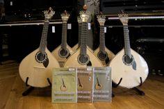 Boa tarde! Procura uma guitarra portuguesa, de Lisboa ou Coimbra? Venha ao Salão Musical de Lisboa www.salaomusical.com