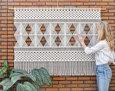 Huge natural dream catcher perfect decoration for every home Macrame Design, Macrame Art, Macrame Projects, Macrame Modern, Macrame Wall Hanging Patterns, Macrame Patterns, Tapestry Headboard, Wall Tapestry, Pattern And Decoration