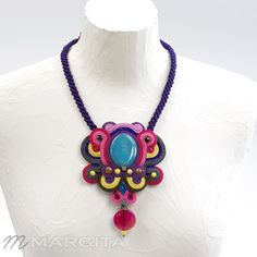 Blog o biżuterii ręcznie haftowane.. Biżuteria i inne obiekty sztuki użytkowej. WWW.MARGITA.EU