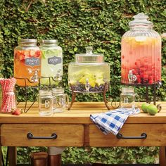 Unique Wedding Catering Ideas for the Big Day – MyPerfectWedding Bar Drinks, Beverages, Rustic Wedding, Our Wedding, Wedding Ideas, Garden Wedding, Lemonade Bar, Reception Food, Mothers Day Brunch