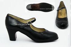 Zapato semiprofesional de flamenco Begoña Cervera / Semi professional flamenco shoes Begoña Cervera  https://www.tamaraflamenco.com/es/zapatos-de-ensayo-semiprofesionales-8