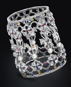 TTF Haute Joaillerie Competition: the Best Horse Designs are Selected out of a Proposed Thousand High Jewelry, Jewelry Art, Jewelry Design, Diamonds And Gold, Bangle Bracelets, Bangles, Stones And Crystals, Jewelry Collection, Jewelery