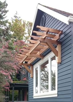 The pergola kits are the easiest and quickest way to build a garden pergola. There are lots of do it yourself pergola kits available to you so that anyone could easily put them together to construct a new structure at their backyard. Window Pergolas, Outdoor Decor, Modern Pergola, Windows Exterior, House Exterior, Patio Design, Exterior Design, Curb Appeal