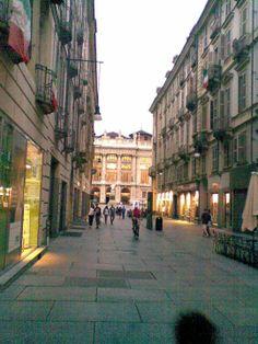 Via Garibaldi ... negozi & persone .... TORINO! Italy