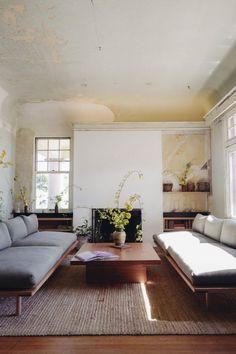 Zwei identische Möbel wirken in Einrichtungen besonders stark und stilvoll.
