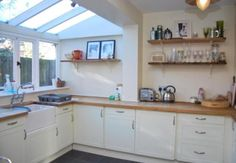 lean-to kitchen extension Kitchen Living, New Kitchen, Kitchen Decor, Sunroom Kitchen, Kitchen Diner Extension, Open Plan Kitchen, Conservatory Kitchen, Conservatory Roof, Casas Containers