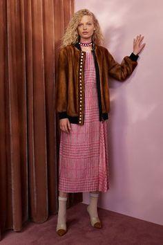 Fendi Resort 2018 Fashion Show Collection