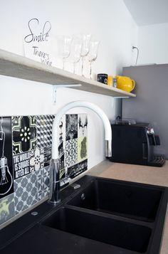 Betoninen avohylly keittiöön @asuntomessublogit Concrete, Shelf, Bathtub, Bathroom, Interior, Kitchen, Home, Standing Bath, Washroom