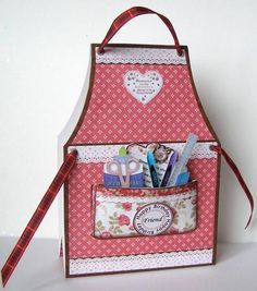 CRAFTERS APRON LADIES Tent Card Mini Kit on Craftsuprint designed by Janet Briggs - made by Margaret McCartney