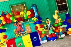 Baby Boy 1st Birthday, 1st Boy Birthday, 1st Birthday Parties, Birthday Ideas, Elmo Sesame Street, Sesame Street Birthday, Jungle Party, Backdrop Ideas, Balloon Decorations