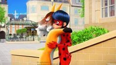 Volpina hugging ladybug