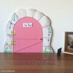 Haz de la caída de los dientes de leche de los niños un momento especial y mágico con esta original puerta del Ratoncito Pérez 100% artesanal. Color rosa chicle (PVP: 19,95 € + Gastos de envío)