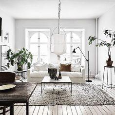 Hoy hacemos un tour por una casa de estilo escandinavo y con toques vintage. No te pierdas todos los detalles y rincones en www.deocratualma.com/blog