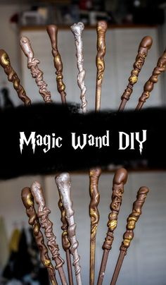 A simple DIY wand tutorial for your Harry Potter party., A simple DIY wand tutorial for your Harry Potter party. The perfect give-away or decoration object ! Harry Potter Diy, Harry Potter Cosplay, Harry Potter Style, Harry Potter Birthday, Harry Potter Costumes, Harry Potter Christmas Decorations, Spooky Halloween Decorations, Halloween Party Decor, Diy Halloween Costumes