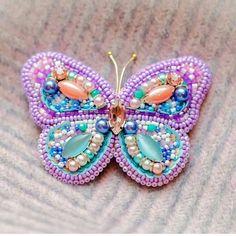 Автор @aleksandra_gohina 〰〰〰〰〰〰〰〰〰〰〰〰〰〰 По всем вопросам обращайтесь к авторам изделий!!! #ручнаяработа #брошьизбисера #брошьручнойработы #вышивкабисером #мастер #бисер #handmade_prostor #handmadejewelry #brooch #beads #crystal #embroidery #swarovskicrystals #swarovski #купитьброшь #украшенияручнойработы #handmade #handemroidery #брошь #кольеручнойработы #кольеизбисера #браслеты #браслетручнойработы #сутажныеукрашения #сутаж #шибори #полимернаяглина #украшенияизполимернойглины
