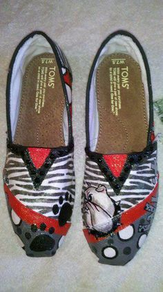 Georgia Bulldogs hand painted TOMS by Kelly...these are soo cute!