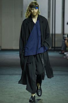 Yohji Yamamoto, Look #1