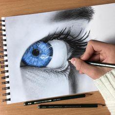 Dibujo de ojo azul