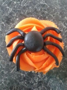 the deathly spider cupcake