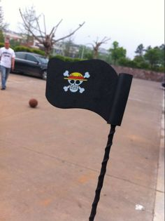 pirate antenna flag