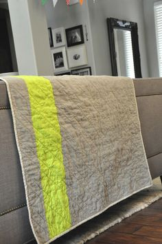 Gray & White Houndstooth Quilt, with lime stripe on the back