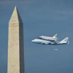 the final 'flight' of the Space Shuttle atop a winged its way past D. landmarks, literally stopping traffic, before landing at Dulles to then be shipped to the Smithsonian. Great Photos, Cool Pictures, Amazing Photos, Pilot Training, Space Shuttle, God Bless America, Space Exploration, Travel Information