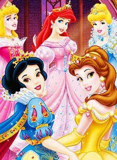 Aurora,Ariel,Cinderela,Branca de neve e Bela com varias joias pelo vestido