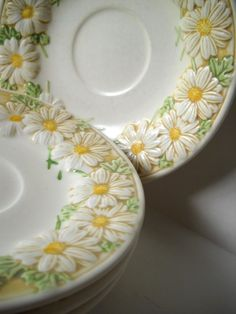 "LOVE these Poppy Trails daisy dishes - pinner says: ""We received a set of these when we were married 40 years back.jc"""