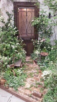 How Does Pergola Provide Shade Love Garden, Shade Garden, Dream Garden, Landscape Design, Garden Design, White Gardens, Small Gardens, Natural Garden, Foto Art
