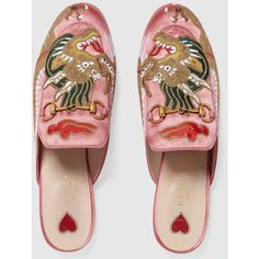 Gucci Princetown satin slipper with dragon - Princetown Gucci - Ideas of Princetown Gucci - Gucci Princetown satin slipper with dragon Gucci Fashion, Look Fashion, Fashion Shoes, Dream Shoes, Crazy Shoes, Princetown Gucci, Reebok, Leather Slippers, Gucci Shoes