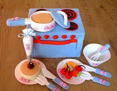 DIY felt Bake Oven and cooker set