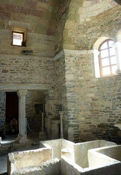 Paros - Panagia Ekatondapyliani (vierge aux cent portes) Paros, Beautiful, Home Decor, Virgo, Decoration Home, Room Decor, Interior Decorating