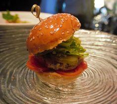 Vegan Portobello Mushroom Hamburger 3 Awesome Vegan Burger Night Recipes + Chef Dinner- Vegan+Recipes by Vegan Slaughterer Yaeli Shochat http://veganslaughterer.com