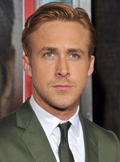 Pensez à new york fameuse « small robe noire Ryan Gosling Hair, Happy Patrick Day, Ryan Thomas, Daily Page, Rides Front, Les Rides, New York, You Are Awesome, Hot Guys