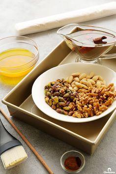 Cinnamon Baklava Rolls | Cleobuttera Baklava Dessert, Baklava Recipe, Lebanese Recipes, Greek Recipes, Vermicelli Recipes, Diwali Food, Arabic Food, Dessert Recipes, Desserts