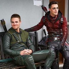 Arrow and The Flash . Stephen Amell and Colton Haynes as Oliver Queen and Roy Harper The Arrow, Arrow Cast, Arrow Tv, Green Arrow, Batwoman, The Flash, Oliver Queen Arrow, Arrow Season 3, Dc Comics