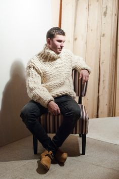 Giant knitting, soft wool oversized sweater - gift for him. Mohair Sweater, Men Sweater, Big Knits, Pullover Mode, Sweater Fashion, Men's Fashion, Knitwear, Sweaters For Women, Turtle Neck