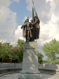 Civil War Memorial (American Valor) Augustus Lukeman (1908) near Public Library. DiscoverCentralHill.com Somerville, MA