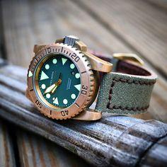 Helson Shark Diver Bronze - $925