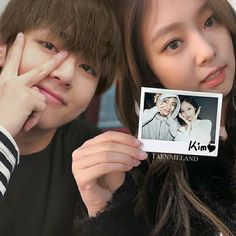 There is 4 girls called BLACKPINK they disguise theirselves to be ner… Taehyung, Kim Jennie, Bts Aesthetic Wallpaper For Phone, Sisters Goals, Brother And Sister Love, Lisa, Kpop Couples, Blackpink Video, Korean Couple