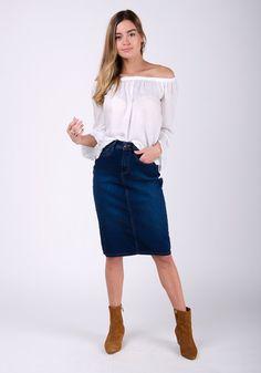 Stylish mid-length denim pencil skirt with stretch Back split Cotton mix Plus sizes available KAY Midi Skirt Outfit, Pencil Skirt Outfits, Denim Pencil Skirt, Jupe Crayon Denim, Denim Skirts, Bleu Indigo, Perfect Day, Feminine Fashion, Plus Size