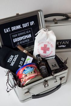 DIY Groomsman Lunchbox.