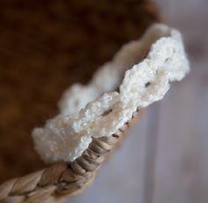 white crochet headband (newborn)