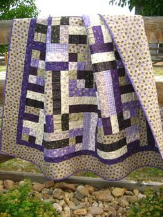 http://www.etsy.com/shop/VintagePlazaUK repinned & tweeted this - beautiful bed quilt.