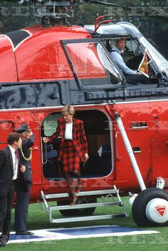 Princess Diana arrives by Royal Flight Wessex helicopter to visit Chartham, Kent, Britain Oct 1990