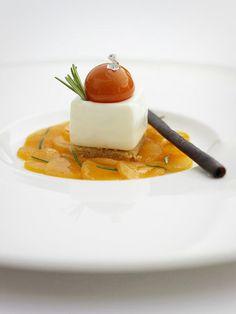 Le Prieuré, Роскошный отель  и Гастрономический звездный ресторан в сельской местности 1 ★ Villeneuve lez Avignon - Avignon, предлагает исключительный сервис в прекрасном заведении.