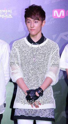 WIN : WHO IS NEXT ♡ Team B - Koo Jun Hoe (구준회) Koo Jun Hoe, Song Minho, Kang Seung Yoon, Who Is Next, Kim Dong, Yg Entertainment, Ikon, Bigbang, Waiting
