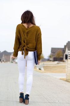 What to wear on a date: lace-up sweater, white jeans, peep toe booties | adoubledose.com Weekend Style, White Jeans, What To Wear, Peep Toe, Dating, Lace Up, Booty, Sweaters, Pants