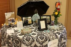 Tiffany blue, yellow and damask: the package is complete. I love the table setting, the favors, the lemonade bar, Awesome!